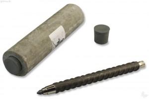 Ein Behälter aus Faserbeton dient als Etui.